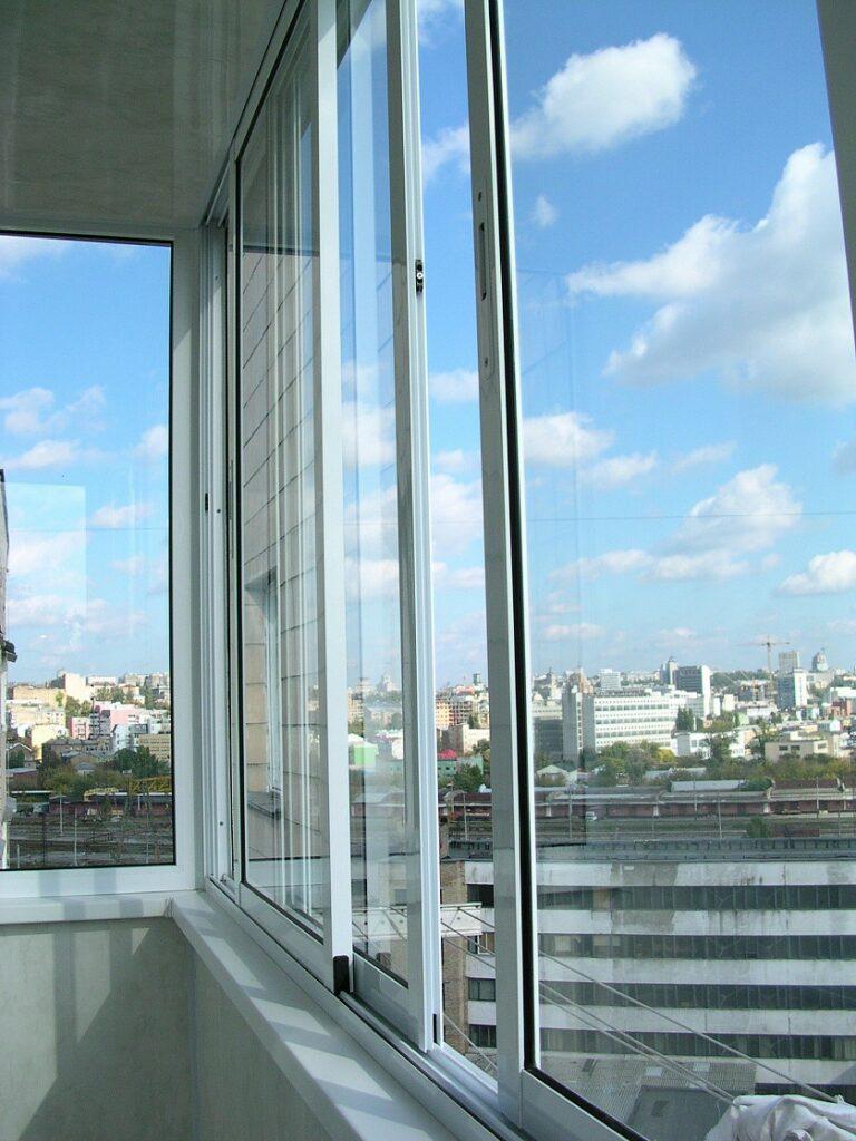 Остекление балконов и лоджий в Ставрополь, ремонт окон, перегородки
