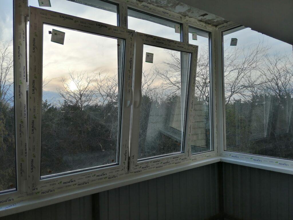 Остекление балконов в Ставрополе, лоджии, ремонт окон, двери пвх, офисные перегородки, двери, витражи, лоджии, сварочные работы перил